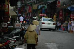 Hanoi - Street vendors 2
