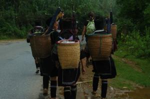 Sapa - Hmong Women and Their Baskets