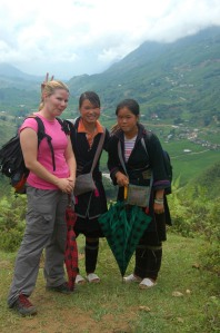 Sapa - Jen with Hmong Girls