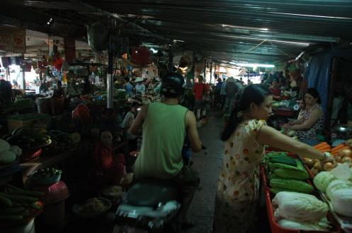 Hoi An - Motorbike in Market